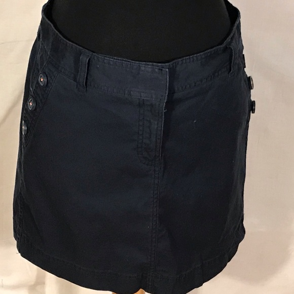 Vineyard Vines Dresses & Skirts - Vineyard vines navy blue cotton skirt. 8
